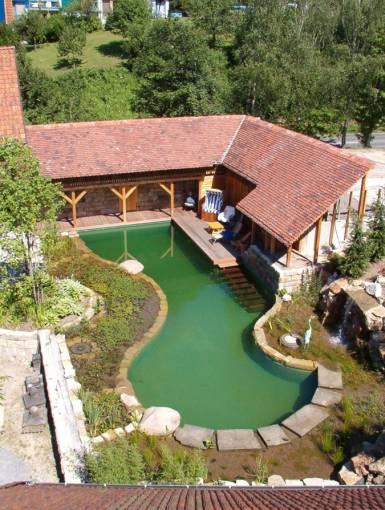 swimming pond brakel produkte f r dachbegr nung kunstrasen schwimmteichbau. Black Bedroom Furniture Sets. Home Design Ideas